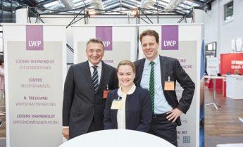 Oliver Warneboldt, Julia Mackenstein und Arne Killmer auf der Altenheim Expo 2019